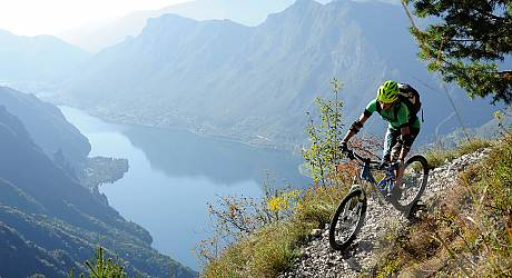 Mountainbike AllMountain Tour: Monte Stino: der 136-Kehren-Trail